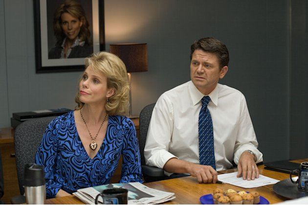 Cheryl Hines John Michael Higgins The Ugly Truth Production Stills Columbia Pictures 2009