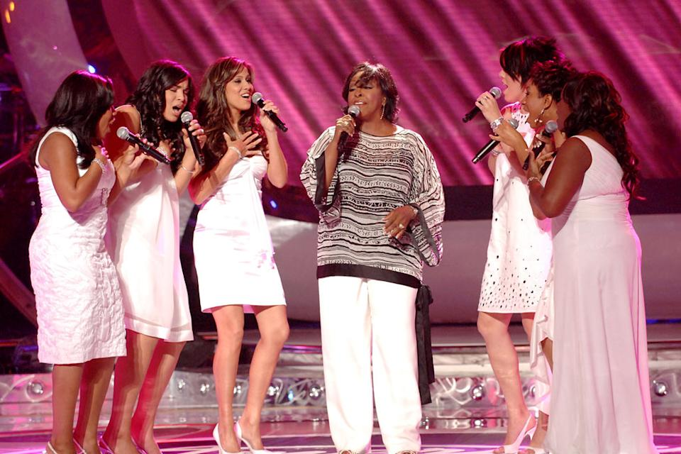 "Gladys Knight with Top 3 Finalist performing ""Midnight Train to Georgia"" on the 6th season of American Idol."