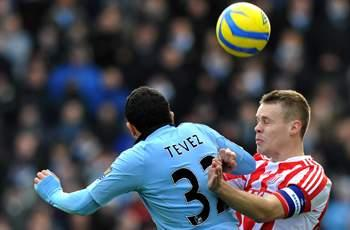 Stoke 0-1 Manchester City: Late Zabaleta strike sends Mancini's men through to fifth round