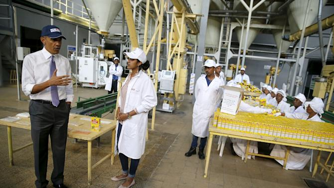 Obama tours the Faffa Food factory in Addis Ababa, Ethiopia