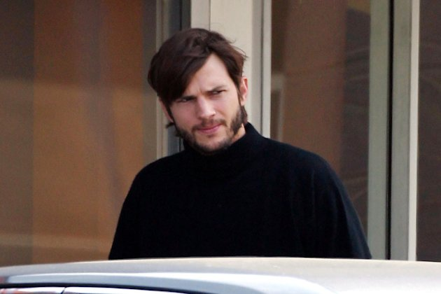 Ashton Kutcher Spotted on set