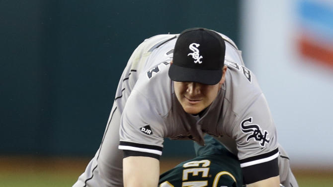Chavez pitches gem to lead A's past White Sox, 5-4