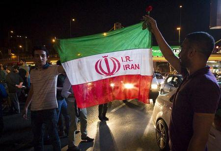 Iran nuclear deal backers near votes to protect pact in U.S. Congress