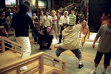 Quentin Tarantino , Yuen Woo-Ping and Uma Thurman on the set of Miramax's Kill Bill: Volume 1