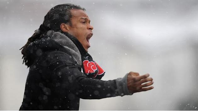 Football - Davids resigns as Barnet head coach