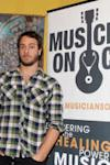 Photo of Amos Lee