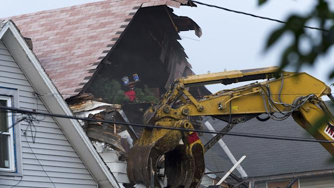 House Where Ariel Castro Held 3 Women Hostage is Torn Down