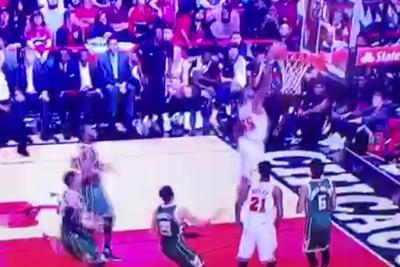Bulls' E'Twaun Moore rises for a wide-open dunk, gets rejected by the front rim