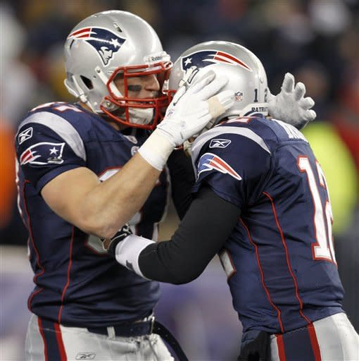 Patriots rout Broncos 45-10 in AFC playoffs