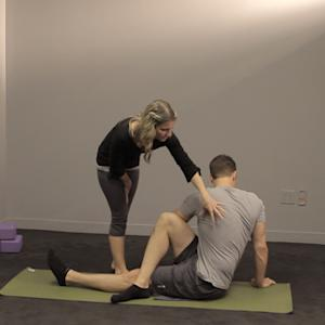 Yoga Fails, Fixed: Seated Twist