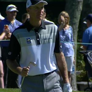 Jim Furyk rolls in 11-foot birdie putt at Deutsche Bank