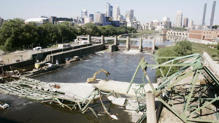 APNewsBreak: Minn. settles last 35W bridge case