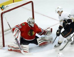 Fasth leads Ducks to 3-2 SO win over Blackhawks