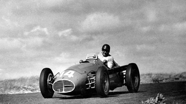 Jose Froilan Gonzalez, the 'Pampas Bull' who in 1951 became the first driver to win a Formula One world championship grand prix for Ferrari, has died in Buenos Aires (Imago)