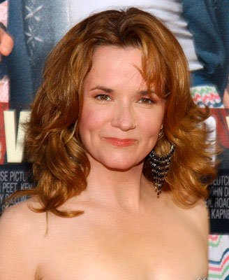 Premiere: Lea Thompson at the world premiere of Warner Brothers' The Whole Ten Yards - 4/7/2004