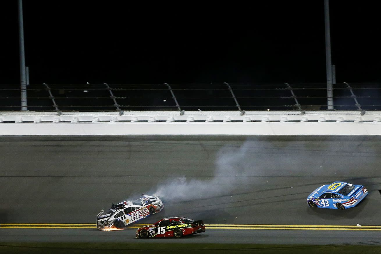 Brian Vickers crash collects Kevin Harvick, Dale Earnhardt Jr., among others