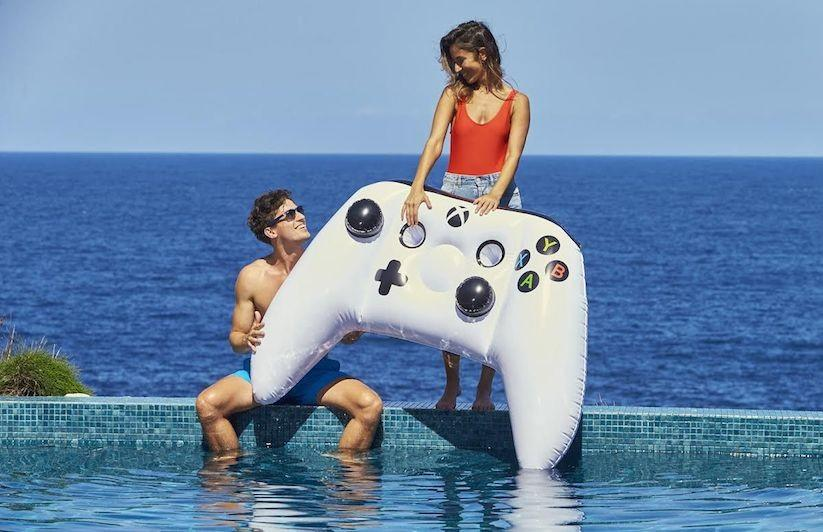 Here's an Xbox One controller you can play with in the pool