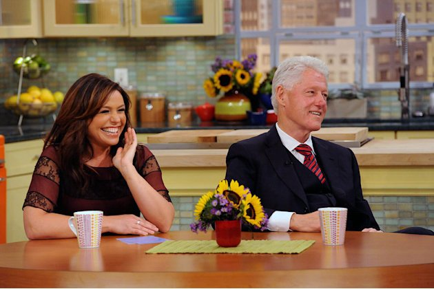 Rachael Ray and President Bill Clinton on &quot;The Rachael Ray Show.&quot; 