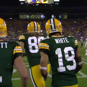 Green Bay Packers quarterback Scott Tolzien throws touchdown pass to wide receiver Myles White