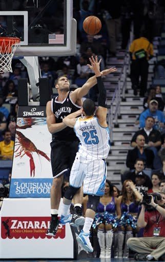 Williams, Lopez lead Nets past Hornets, 101-97
