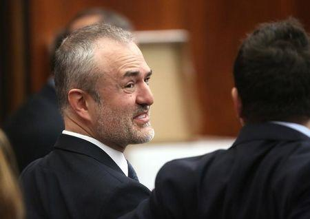 Gawker hires bank, makes 'contingency' plans after Hogan lawsuit