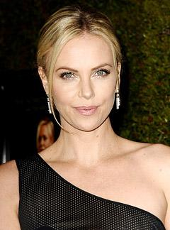 How Charlize Theron Gets Her Skin Red Carpet-Ready