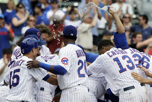 Navarro lifts Cubs to 4-3 victory over Pirates