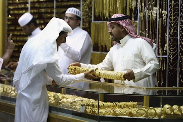 Small businesses must have one Saudi employee from next month