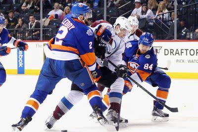 NHL Monday: Islanders score three times in the third, beat Colorado 5-3