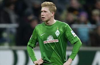 Borussia Dortmund refuse to give up in chase to sign Chelsea midfielder De Bruyne