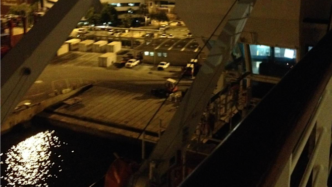 Cruise passengers stranded for hours at Port of Palm Beach