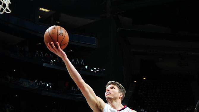 Korver's 17 lead Hawks past sluggish Pacers 97-87