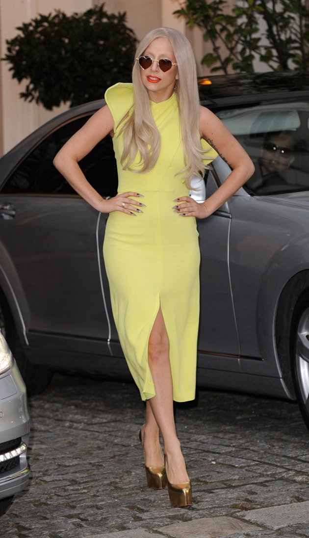 Gaga was mellow in yellow …