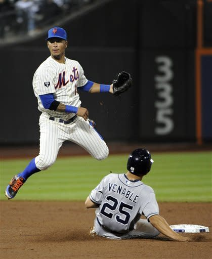 After Baxter catch, Gee leads Mets over Padres 6-1