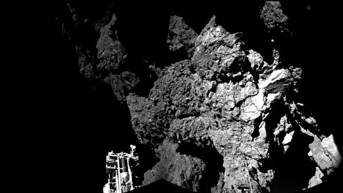 An image taken by Rosetta's Philae on comet 67P/Churyumov-Gerasimenko shows part of the lander, in a photo released by the European Space Agency (ESA) on November 13, 2014