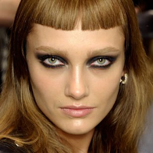 Versace: Backstage: A/W12: Kohl Eyes: Beauty Trend