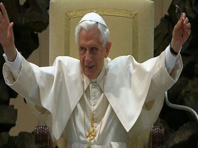 Thousands Gather to Hear From Pope Benedict