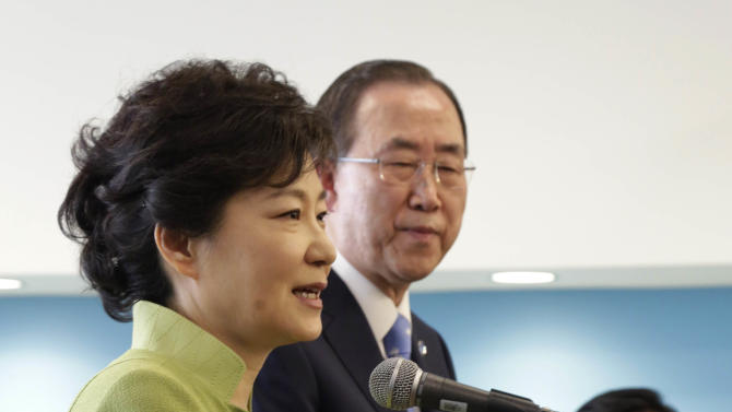 South Korean President Park Geun-hye, left, accomapnied by UN Secretary General Ban Ki-moon, addresses South Korean nationals at United Nations headquarters,  Monday, May 6, 2013. (AP Photo/Richard Drew)