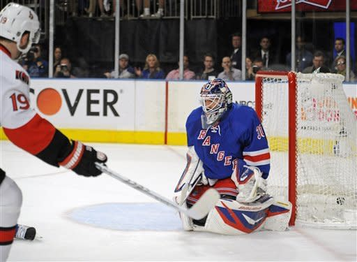 Senators top Rangers 2-0, take 3-2 series lead