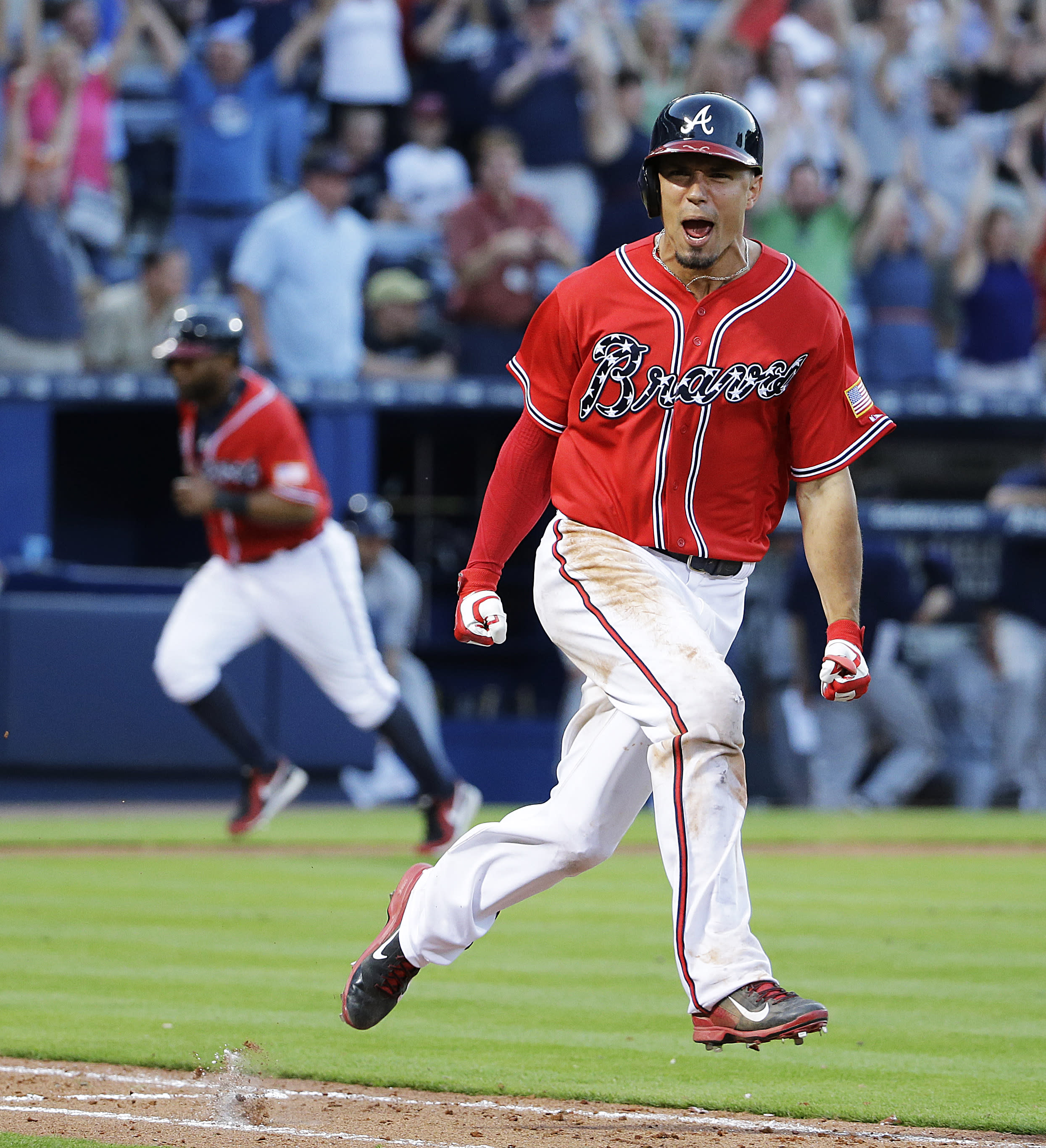 Peterson's 11th-inning single lifts Braves past Brewers, 3-2