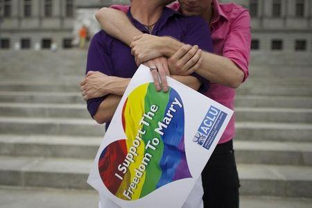 As U.S. gay-marriage battle looms, attorneys fight over fees
