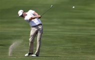 Zach Johnson hits off the 14th fairway during the second round of the PGA Colonial golf tournament on Friday, May 25, 2012, in Fort Worth, Texas. (AP Photo/Tony Gutierrez)