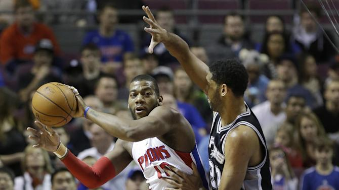 Pistons beat Spurs 109-100 in Loyer's debut