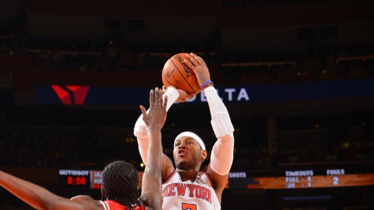 Knicks blow big lead but edge Bulls 83-78