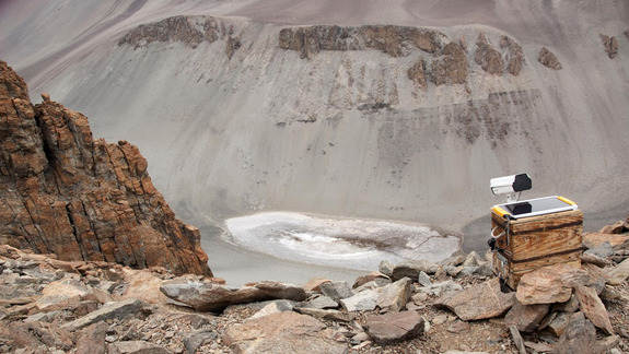 Salty Antarctic Pond May Hold Clues to Water on Mars
