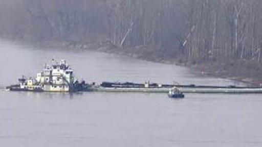 Oil Leaks Into Mississippi River After Barge Collision