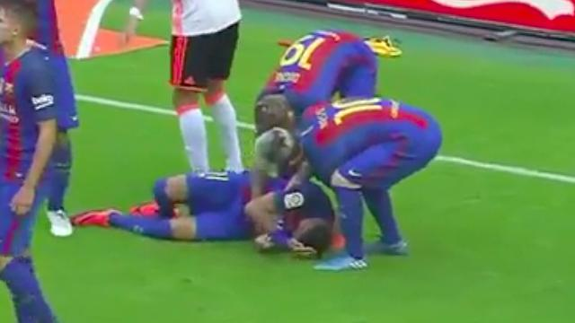 A Horrible Fan Drilled Neymar And Messi With A Water Bottle After Barcelona Scored