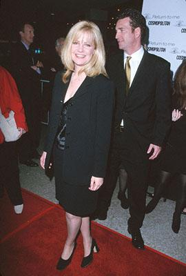 Bonnie Hunt at the premiere of MGM's Return To Me