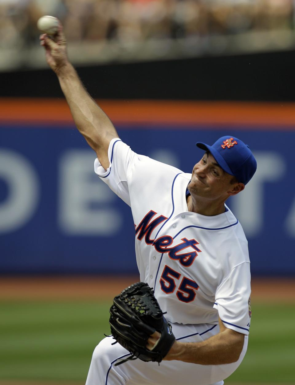 New York Mets starting pitcher Chris Young delivers against the Philadelphia Phillies during the second inning their baseball game at Citi Field in New York, Wednesday, July 4, 2012. (AP Photo/Kathy Willens)