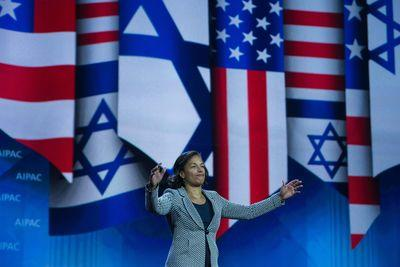 AIPAC's most awkward tradition: non-Jewish politicians faking Jewishness